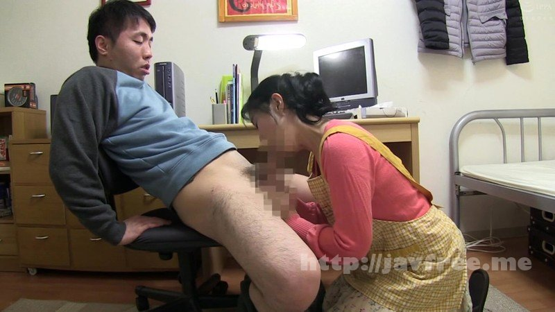 [HD][OKAX-729] いい歳こいて独身の息子が母に性処理フェラを頼んだら…4時間 - image OKAX-729-16 on https://javfree.me