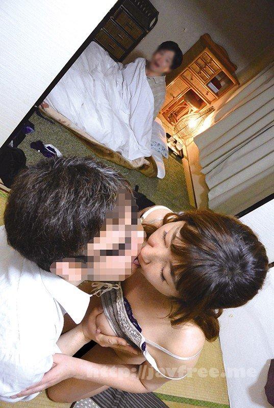 [HD][OKAX-744] 「い、一回だけよ…」ガチ嫁の母とヤレた…いけない関係8時間 - image OKAX-744-7 on https://javfree.me