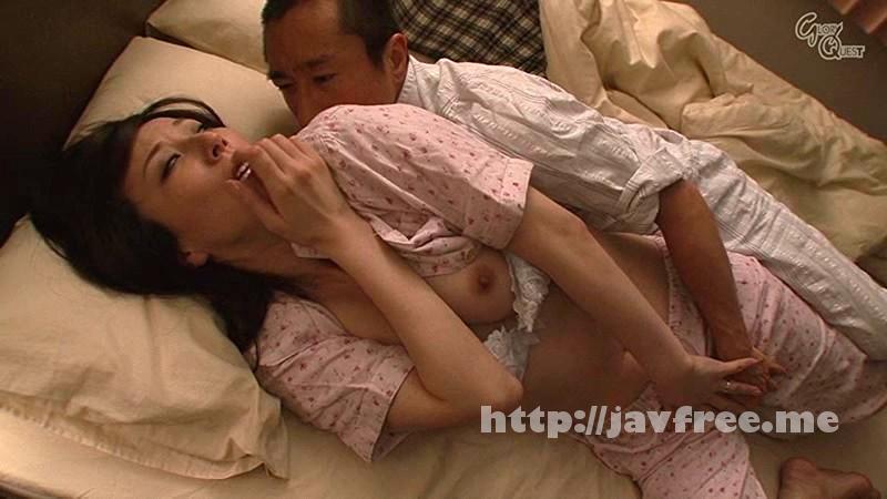 [OVG-008] 夜這い 夫の寝ている隣で感じてしまう5人の人妻たち - image OVG-008-6 on https://javfree.me