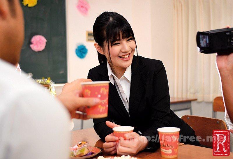 [HD][POST-466] 婚約者は女教師 「謝恩会DVD」 寿退校しボクと結婚する彼女の教え子生徒たちから送られてきたDVD2 - image POST-466-9 on https://javfree.me