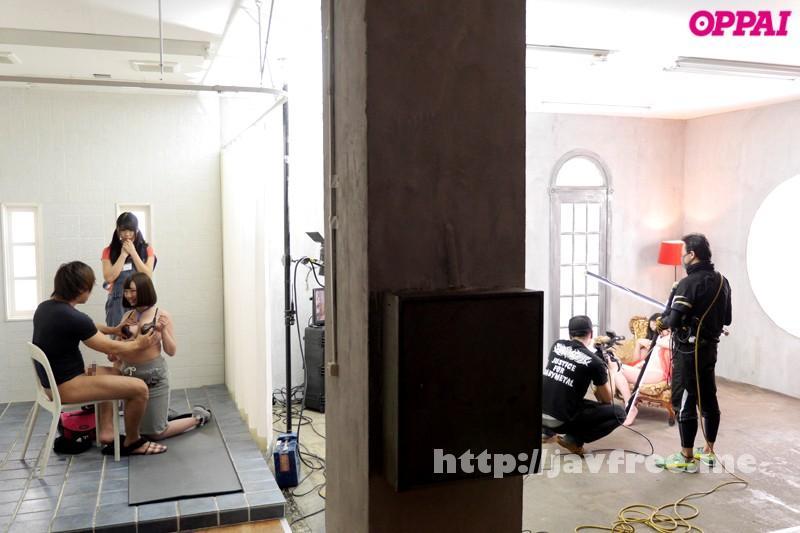 [PPPD 388] ADで応募してきた巨乳娘にAV出演交渉!!男優のプロテクニックを間近で見せていたら結局やれちゃいました。そんなワケで女優としてAVデビュー!! 青山ひな 青山ひな PPPD