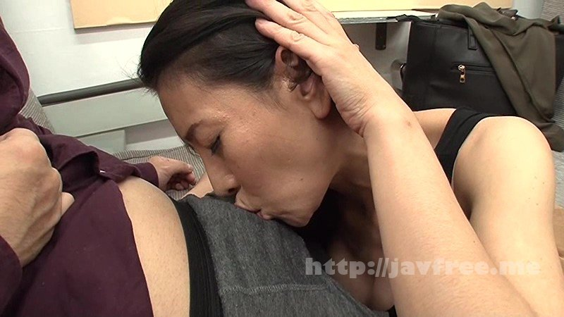 [HD][RCTD-059] 特急電車のボックスシートで美熟女ハーレム - image RCTD-059-7 on https://javfree.me