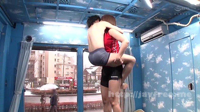 [RCTD-093] マジックミラー号の天井に頭がついちゃう!高身長アスリート女子がチビ男相手に初めてのバックブリーカーフェラ、逆駅弁FUCKチャレンジ