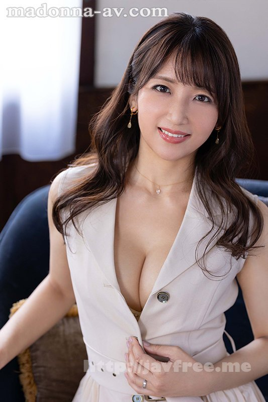 [HD][ROE-002] この美貌、この色気、ファーストクラス―。 元国際線キャビンアテンダントの人妻 坂井希 45歳 AVデビュー - image ROE-002-1 on https://javfree.me