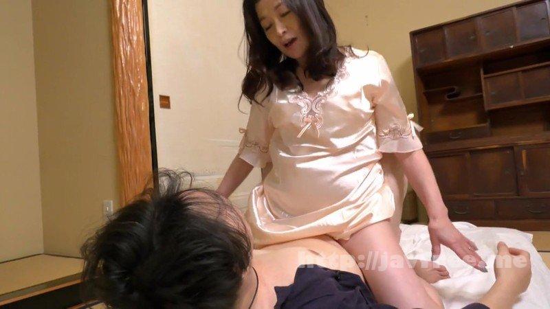 [HD][SCD-194] 僕に勃起薬を●ませて笑顔で痴女る還暦のお母さん 遠田恵未 - image SCD-194-3 on https://javfree.me