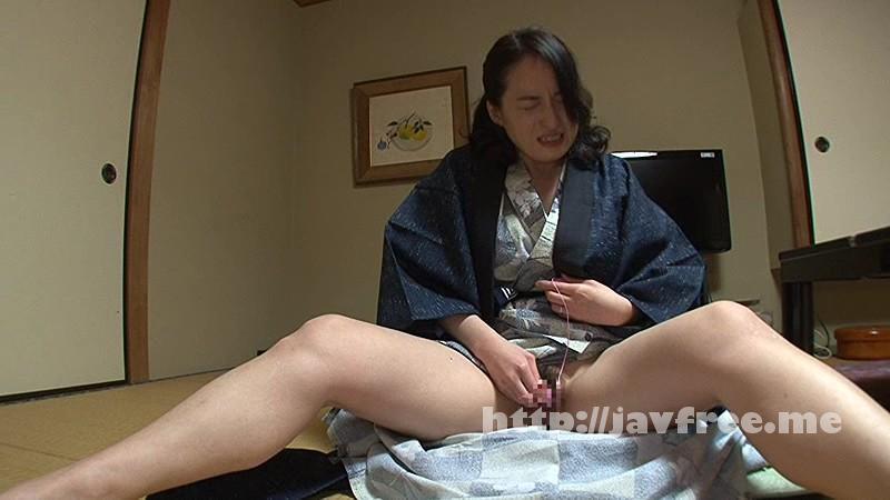 [SCOP 297] 母親と一緒に温泉に入っているロリ娘に、勃起見せつけ!!堪らず、目を背けるも時すでに遅し。初めて勃起したチ●コを目の当たりにした●いマ●コからは大量のエロ汁だだ漏れ!! SCOP