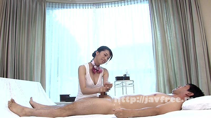 [SCPX-074] 入店間もない人妻たちの不慣れで優しい雰囲気に思わずチ●ポがガチ勃起!こっそりおねだりしたらしっぽり濡れた奥様マ●コに生で挿入を許してくれる人妻手コキサロンがあるという噂は本当か? - image SCPX-074-1 on https://javfree.me