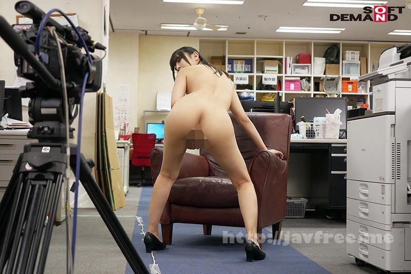 [HD][SDJS-111] ~社内で全裸は1人だけ~ インターン生の皆さん全裸でお仕事できますか? SODで働く女子社員にはAV女優さんの気持ちを理解してもらうために羞恥研修を用意! 入社前だけど身体を張って1日お仕事してもらいました♪ SOD女子社員 - image SDJS-111-18 on https://javfree.me