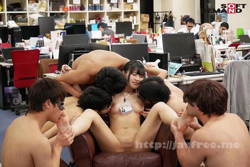 [HD][SDJS-111] ~社内で全裸は1人だけ~ インターン生の皆さん全裸でお仕事できますか? SODで働く女子社員にはAV女優さんの気持ちを理解してもらうために羞恥研修を用意! 入社前だけど身体を張って1日お仕事してもらいました♪ SOD女子社員 - image SDJS-111-19 on https://javfree.me