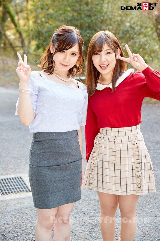 [SDMU-838] 童貞チ○コが友達マ○コに挿入されている所を見て欲情する女子大生たち!夢の女友達2人で赤面童貞筆下し!