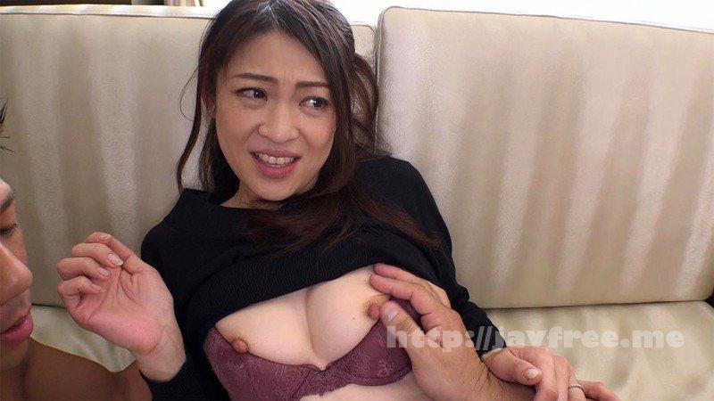 [SDNM-134] 風薫る鎌倉で出会った微笑み美人。女としての夏がまた、始まる。久保今日子 43歳 最終章 旦那を忘れて1日中他人ち○ぽに汚される汁まみれ乱交 - image SDNM-134-6 on https://javfree.me