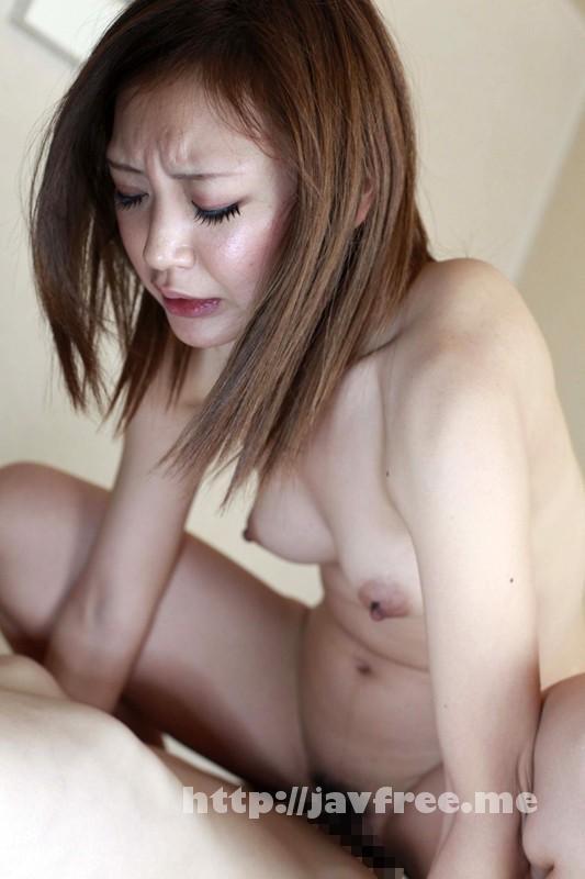 [SHE 156] 緊張の一瞬!パンティーを脱がされる素人女性50人4時間DX SHE