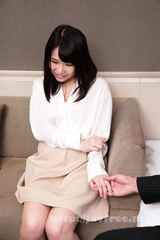 [HD][EQ-411] 「わたし主人以外ほとんど経験ないんです」貞操を守り続けたレア妻が本気の不倫!密着セックス - image SHE-593-6 on https://javfree.me