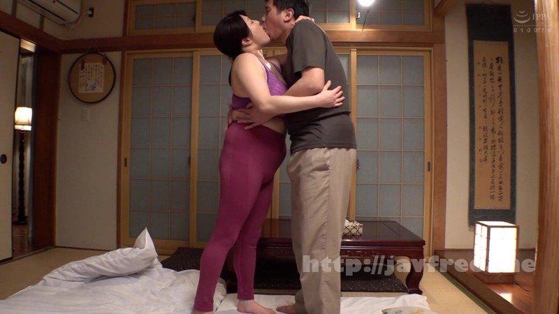 [HD][SPRD-1303] 奥様が瞑想中に其処の旦那を寝取りまくる爆乳ヨガインストラクター 白鳥寿美礼