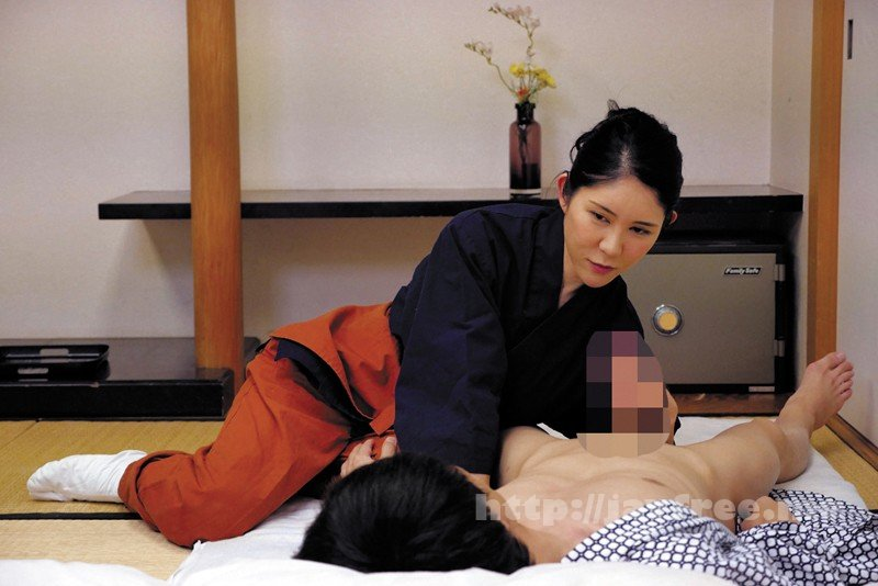 [HD][SPZ-1031] 意外とヤレる!!地方旅館の仲居のおばさん - image SPZ-1031-15 on https://javfree.me