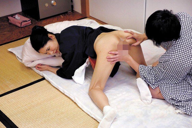 [HD][SPZ-1031] 意外とヤレる!!地方旅館の仲居のおばさん - image SPZ-1031-19 on https://javfree.me