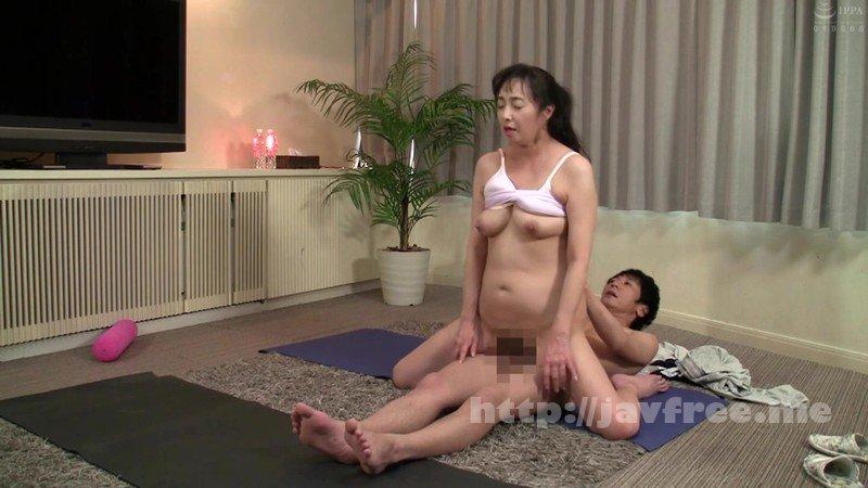 [HD][SPZ-1103] ジムやヨガの薄着スパッツ姿のお姉さんを密室口説きでココまでヤレちゃう!? - image SPZ-1103-7 on https://javfree.me