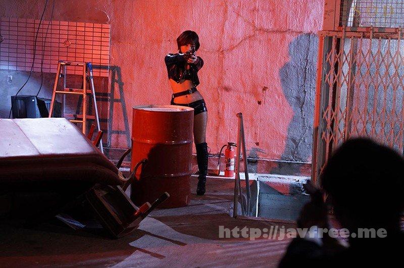 [HD][STARS-343] ヘタレな僕を救いに来た先輩女捜査官が悪の組織に輪●されているのを見てフル勃起 紗倉まな - image STARS-343-5 on https://javfree.me