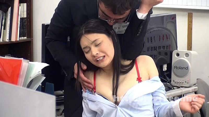 [SVDVD-480] AV会社だから、体を張るのはアタリマエ!?新人女子を適当に言いくるめて深夜の社内でチ○ポをしゃぶらせ遅刻の罰は一日全裸勤務!スゴいぞ!広報・営業・編成AV会社の女子社員! - image SVDVD-480-8 on https://javfree.me