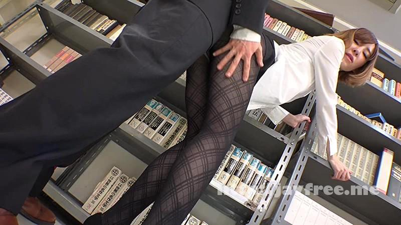 [SW 268] 女子社員ばかりの部署で男は僕一人!黒パンストから透けたパンチラにギン勃ちしてる僕のチ○ポに気づいた先輩女子は仕事が手に付かなくなり、こっそり求めてきました SW