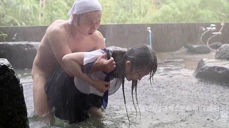[T28-545] びしょ濡れ女子●生雨宿り強制わいせつ3