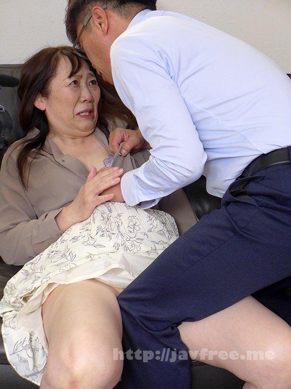 [HD][TMRD-1062] 熟妻 息子のサッカーのコーチに襲われた清純妻 六十路完熟女は44年ぶりに再会した同級生に2穴されて… - image TMRD-1062-6 on https://javfree.me