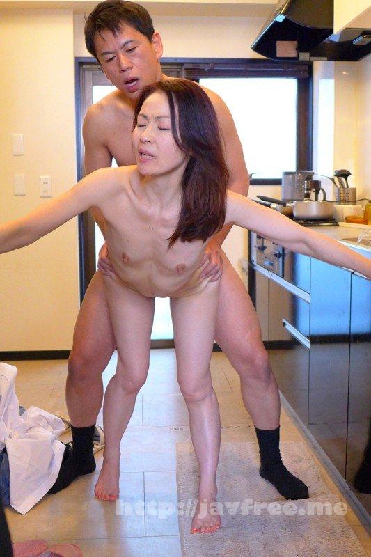 [TMRD-822] 部下の勃起した肉棒を見た奥さんは自らパンツを下ろして後ろ向きになり… 妻の中出し情事 - image TMRD-822-11 on https://javfree.me