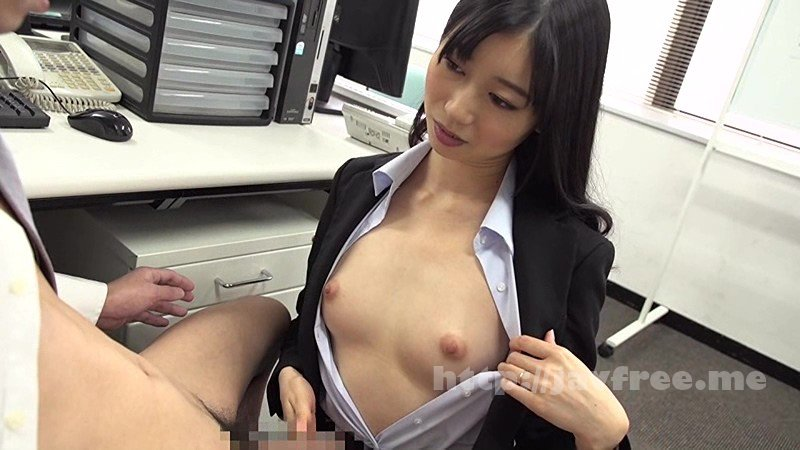 [HD][UMD-692] ラッキーな胸チラを発見し、気づかれないように見てたけど、やっぱりバレてた?! 11~人妻の日常編~ - image UMD-692-9 on https://javfree.me