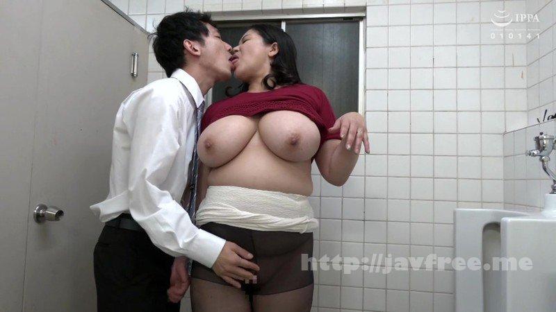 [HD][JJAA-027] パートの人妻さんが若い従業員をこっそり連れ込んで楽しむヤリ部屋になっているバイト先の休憩室02 - image VEC-412-17 on https://javfree.me