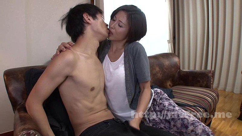 [VENU-467] 母は息子と一緒にイキたがる! 桐岡さつき - image VENU-467-1 on https://javfree.me