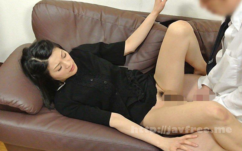 [HD][VNDS-3344] 未亡人の匂い立つ黒パンストに包まれた妖艶な尻