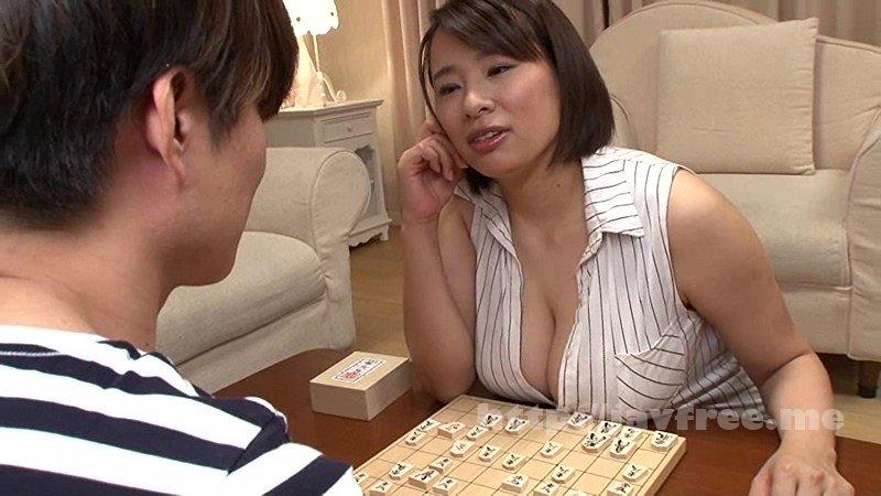 [HD][VOSS-073] 「将棋が脳を育てるらしいぞ」成績が伸びない受験生の僕を心配した祖父の薦めで将棋教室にいくと巨乳おばさん棋士が待っていた。おっぱいで盤上の駒をなぎ倒す姿に脳ではなくチ○ポが育てられ勃起。2 春菜はな
