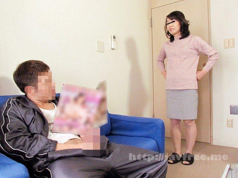[HD][YLWN-024] 家庭内で母親のエロハプニングに遭遇した息子が…4時間 - image YLWN-024-1 on https://javfree.me