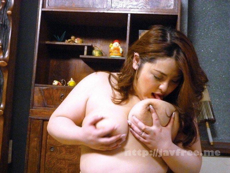 [HD][YLWN-101] 密かにオナねたにされている巨乳な母親に息子が勃起チ○ポを見せた結果… - image YLWN-101-16 on https://javfree.me