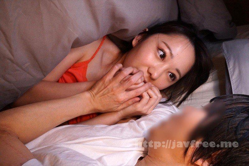 [HD][ZMEN-054] 雑魚寝してたらボクの布団に友達の彼女が潜り込できて…4寝ぼけキスには彼氏のフリして応じておいて 目覚めて拒否るカノジョに「こんなに勃起させたのキミだから」とイキ声ガマンさせ何度も奥突き!