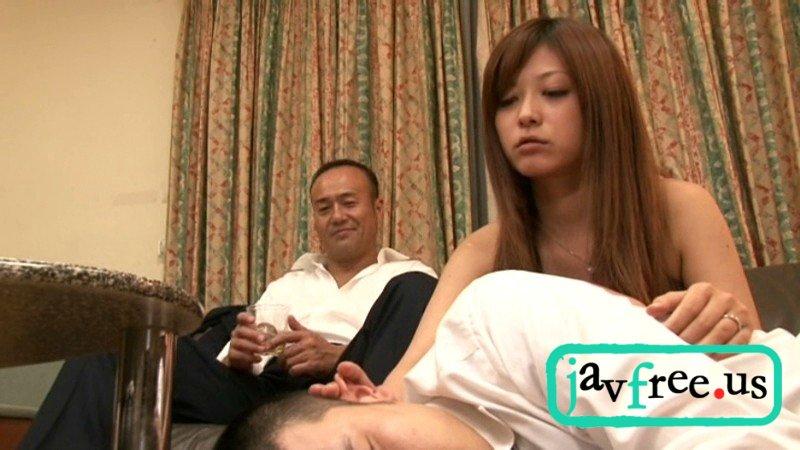 [HBAD-162] 隠れて夫の上司と接吻している新妻は我慢できずに入れたがる さとう遥希 - image hbad-162b on https://javfree.me
